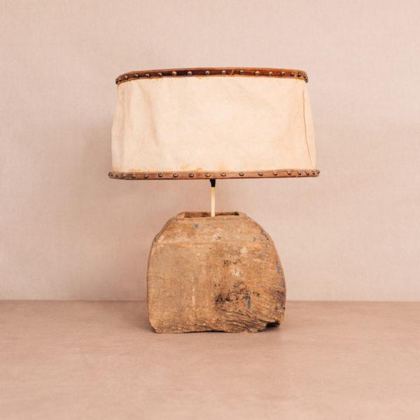 Lámpara sobremesa madera antigua